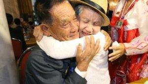 אמא מדרום קוריאה ובן מצפון קוריאה נפגשים